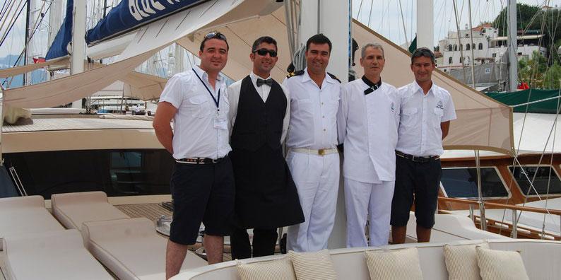 L 39 equipage de la goelette captain skipper cuisinier for Cuisinier bateau